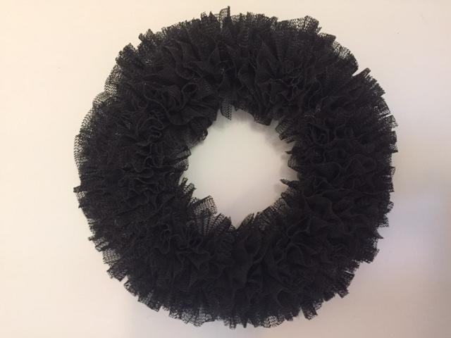black shelf liner wreath